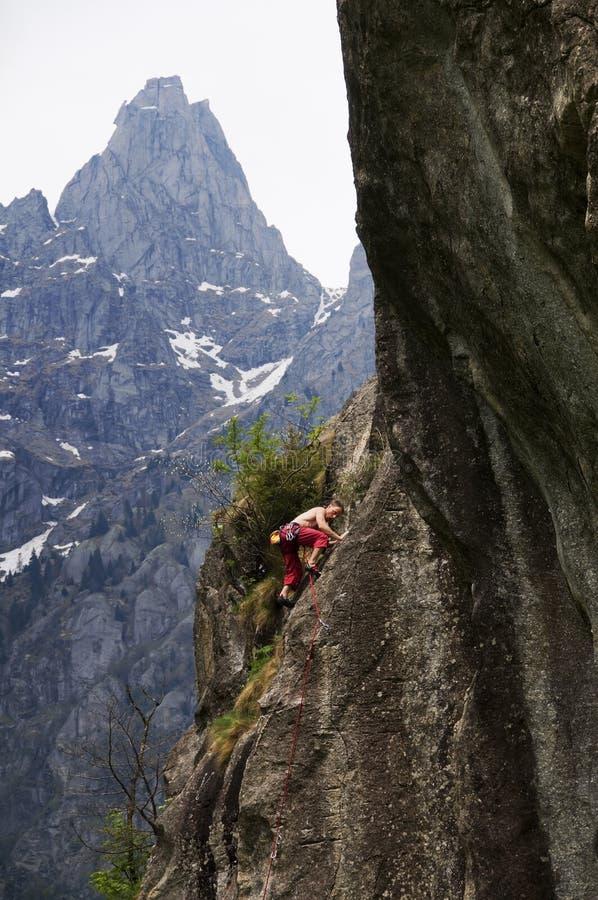 jeunes de grimpeur images libres de droits