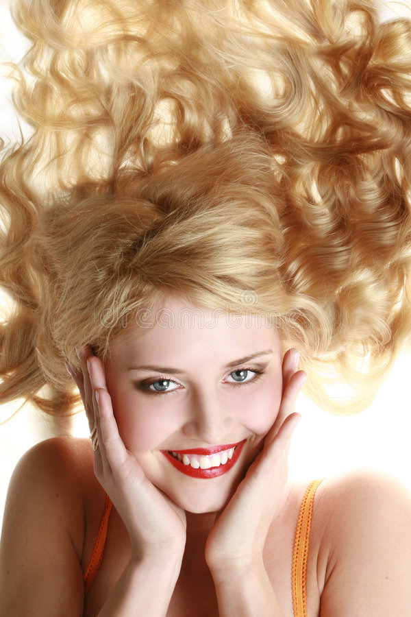 jeunes de sourire de femme de verticale heureuse image stock