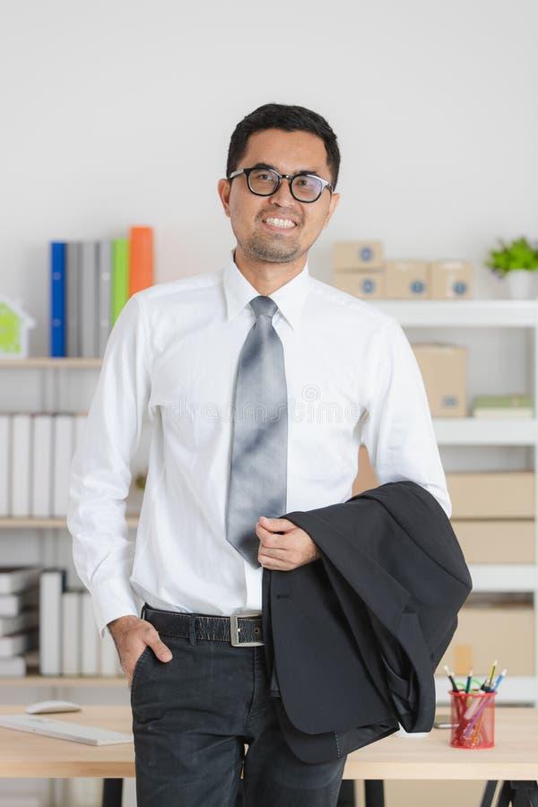 jeunes de travail d'homme d'affaires photo stock