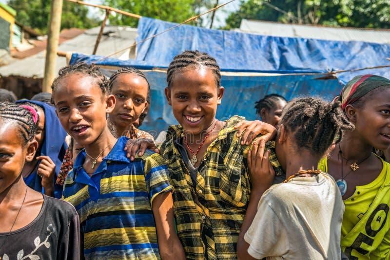 Jeunes filles éthiopiennes à un marché dans Jimma, Ethiopie photo stock