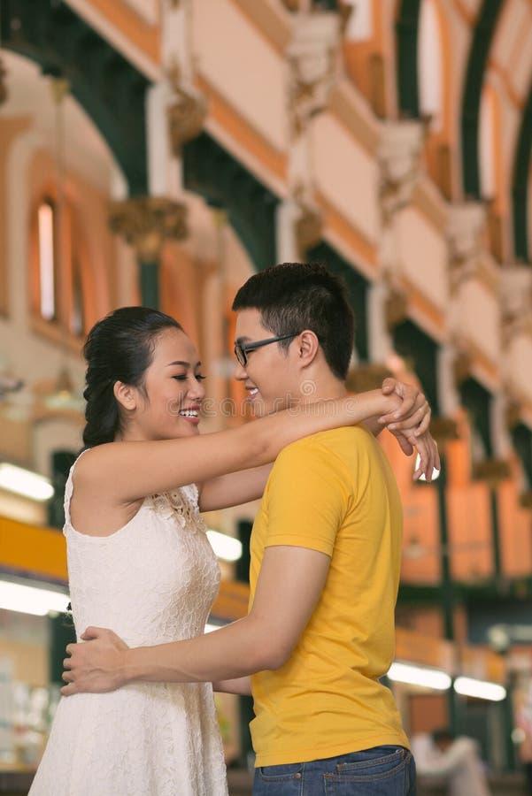 jeunes gais de couples photos libres de droits