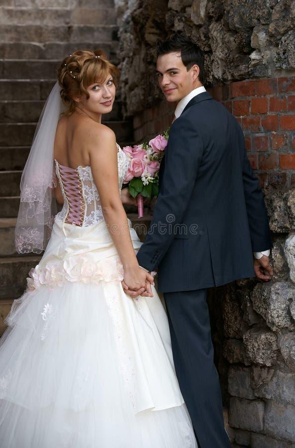Jeunes mariée et marié photos libres de droits