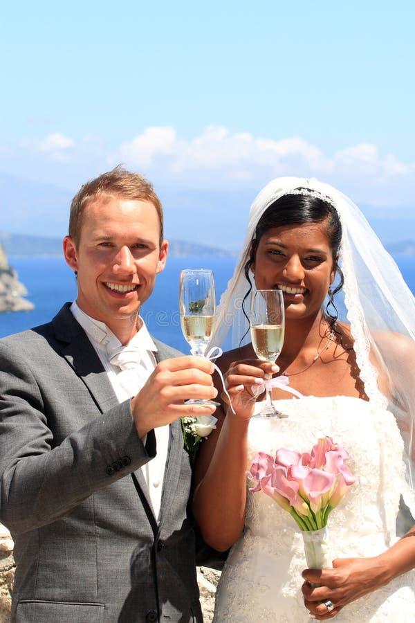 Jeunes mariée et marié photo libre de droits