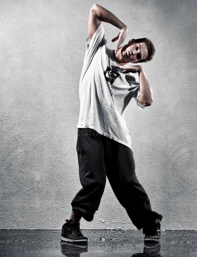 jeunes modernes d'homme de danse photos stock