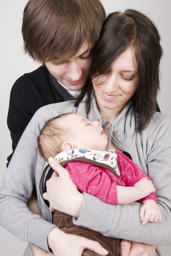 Jeunes parents photo libre de droits