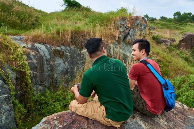 Jeunes randonneurs vietnamiens image libre de droits