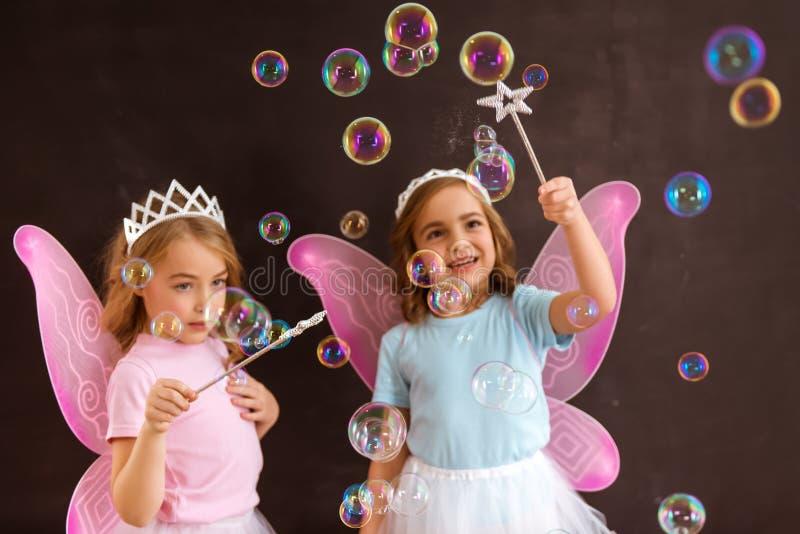 Jeunes reines féeriques images libres de droits