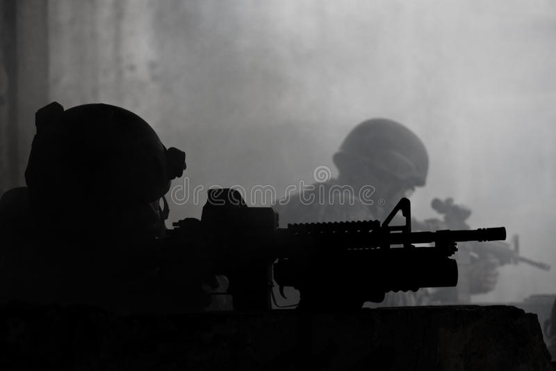 Jeunes soldats images stock