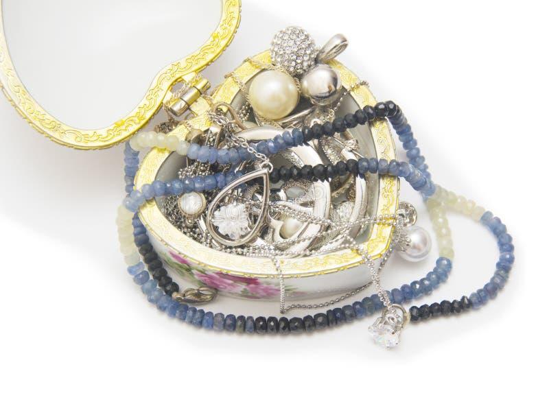 Jewellery pudełko odizolowywający przeciw białemu tłu zdjęcia royalty free