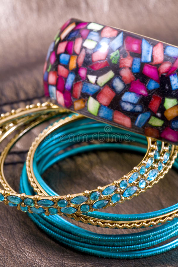 Jewelry, perl and bracelet in composition