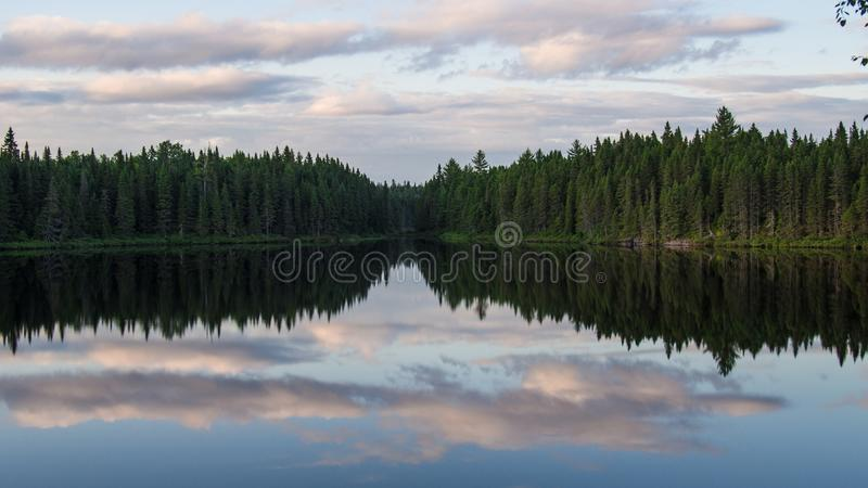 Jeziora & lasu krajobraz w Quebec, Kanada zdjęcia royalty free