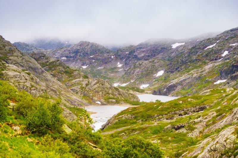 Jeziora w g?rach Norwegia zdjęcia stock