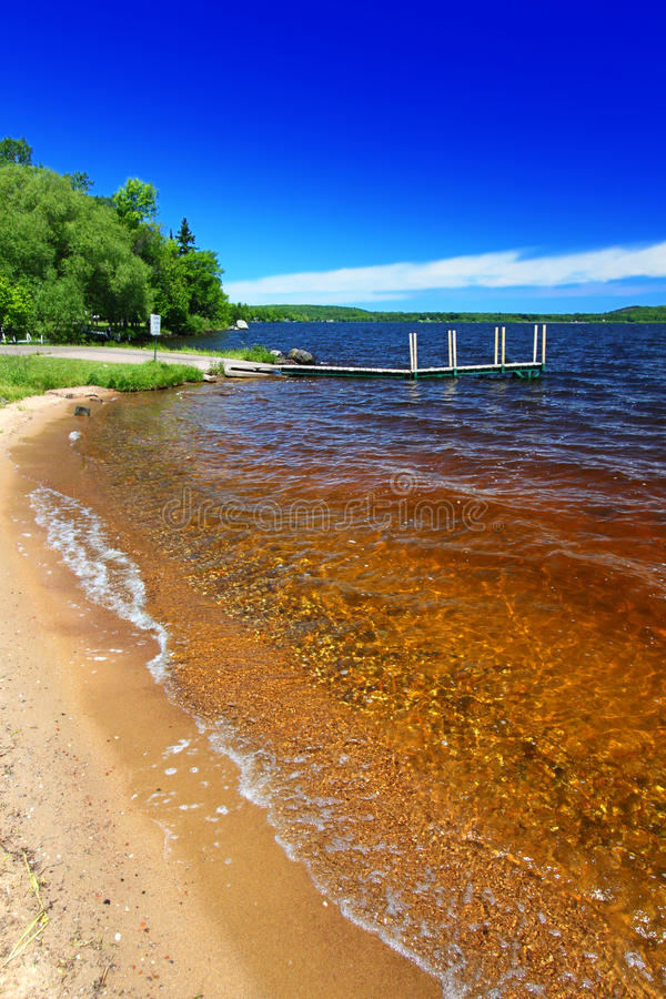 Jeziorna Gogebic plaża Michigan zdjęcie royalty free