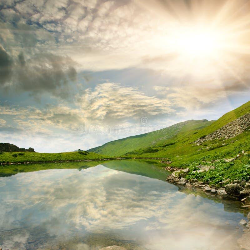 jeziorna halna scena zdjęcia royalty free