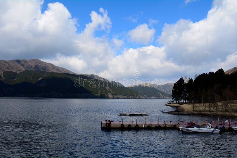 Jeziorny Ashi, Hakone park narodowy, Japonia zdjęcie stock
