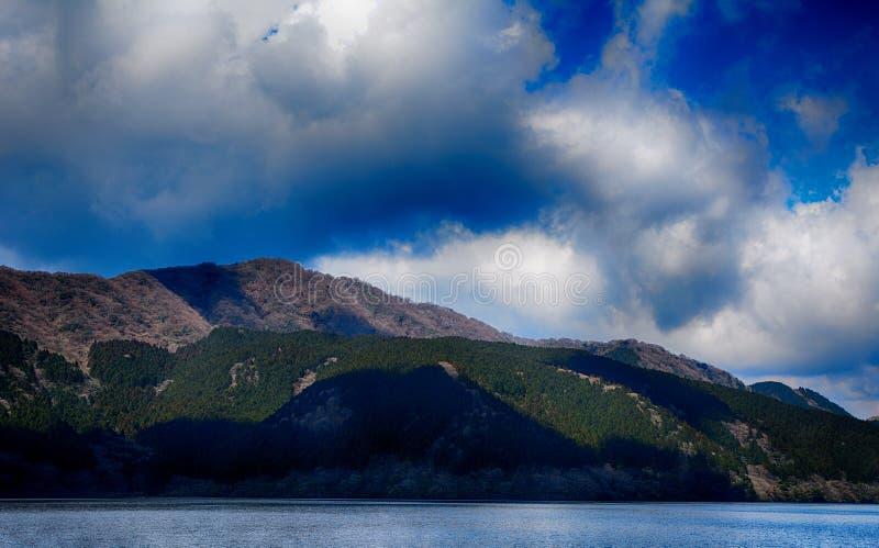 Jeziorny Ashi, Hakone park narodowy, Japonia zdjęcie royalty free