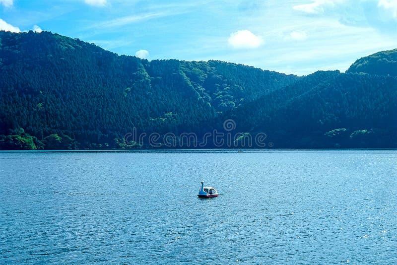 Jeziorny Ashi w chmurnym dniu, góra Fuji no jest widoczny obraz stock