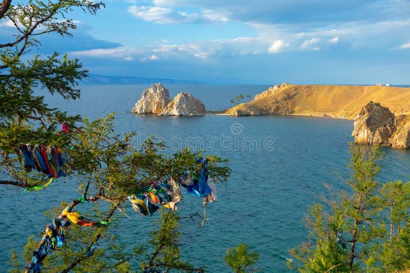 Jeziorny Baikal w lecie Wyspa Olkhon Przylądek Burhan zdjęcia stock