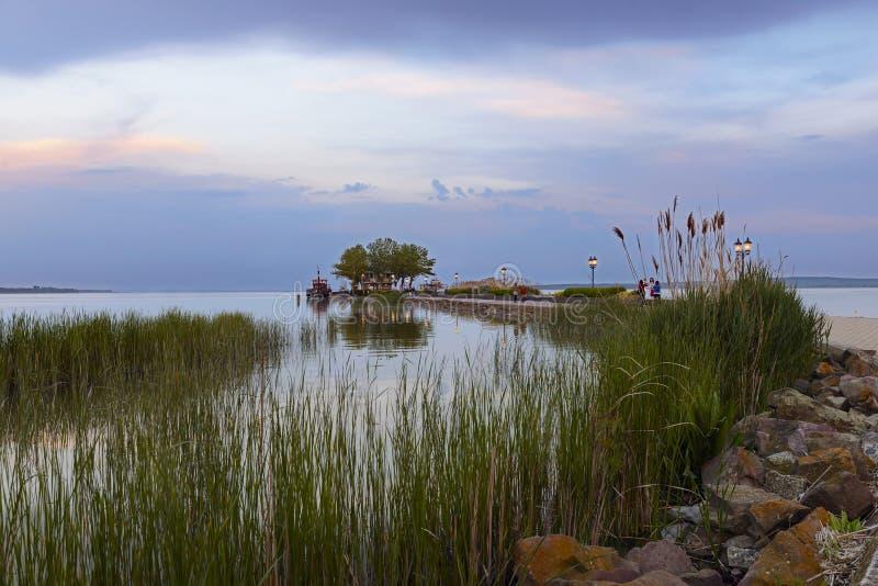 Jeziorny Balaton przy zmierzchem Węgry zdjęcia royalty free