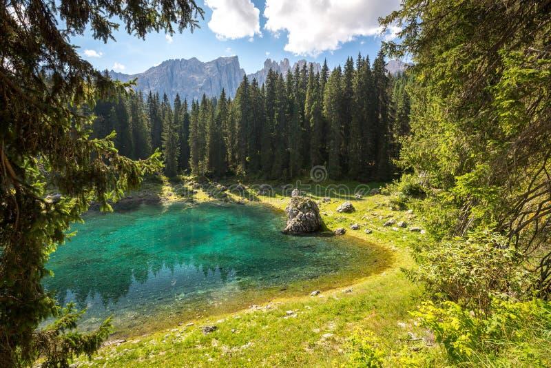 Jeziorny Carezza, dolomity, Włochy obrazy stock