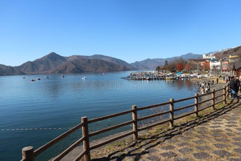Jeziorny Chuzenji w Nikko, naturalny Japonia fotografia stock