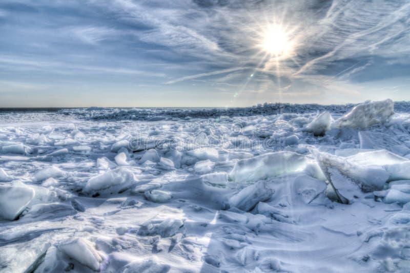 Jeziorny Erie lodu wschód słońca zdjęcie stock