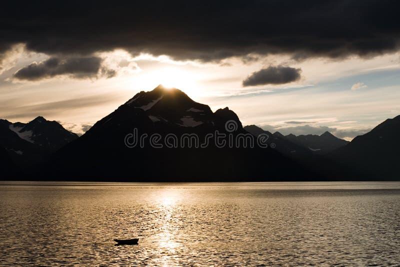jeziorny halny zmierzch zdjęcia stock