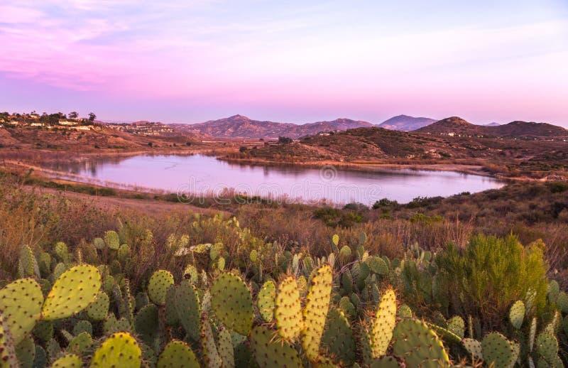 Jeziorny Hodges zmierzchu krajobrazu Rancho Bernardo San Diego okręg administracyjny Kalifornia zdjęcie royalty free
