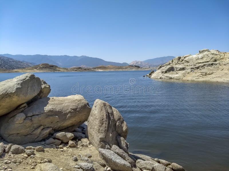 Jeziorny Isabella rezerwuar w Kern okręgu administracyjnym zdjęcia stock