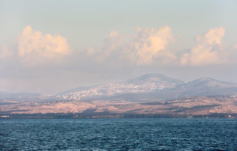Download Jeziorny Kinneret Przy świtem Zdjęcie Stock - Obraz złożonej z fala, ranek: 28952112