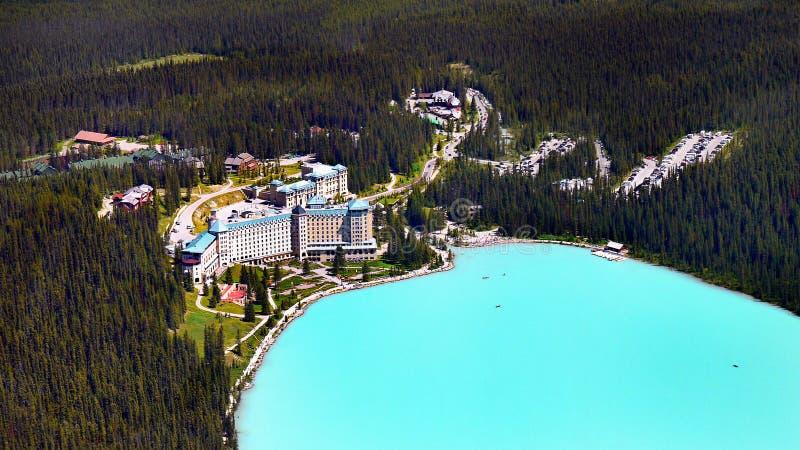 Jeziorny Louise, Kanadyjskie Skaliste góry, Sceniczny widok z lotu ptaka obrazy royalty free