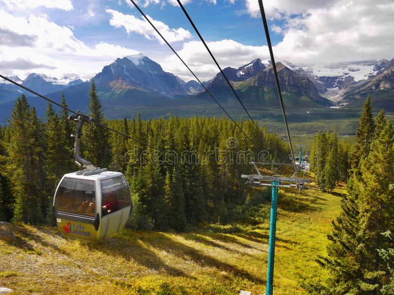 Jeziorny Louise ośrodka narciarskiego gondoli lato, Banff NP obraz stock
