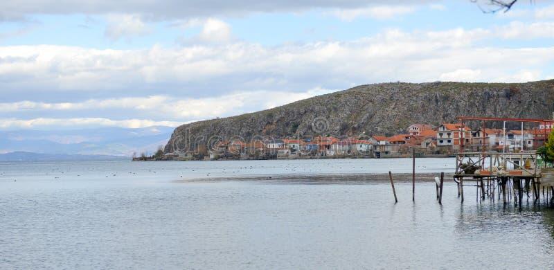 Jeziorny Ohrid, wiew od Lin wioski, Albania obrazy royalty free