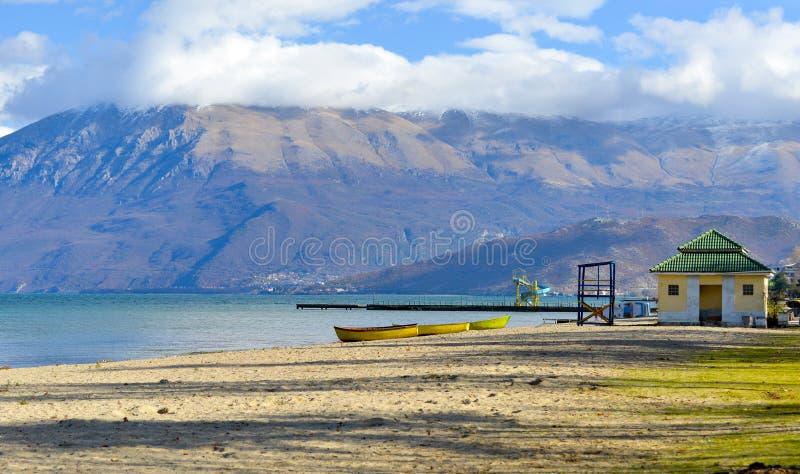 Jeziorny Ohrid, wiew od Pogradec miasta, Albania obrazy stock
