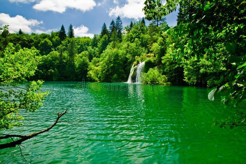 jeziorny pokojowy waterfal zdjęcia stock
