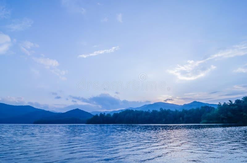 jeziorny santeetlah w wielkiej dymiących gór północy Carolina zdjęcia royalty free