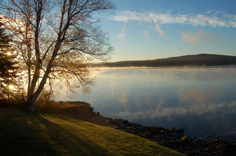 jeziorny wschód słońca zdjęcia stock