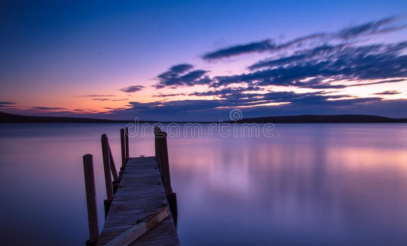 Jeziorny Wyższy wschód słońca zdjęcie royalty free
