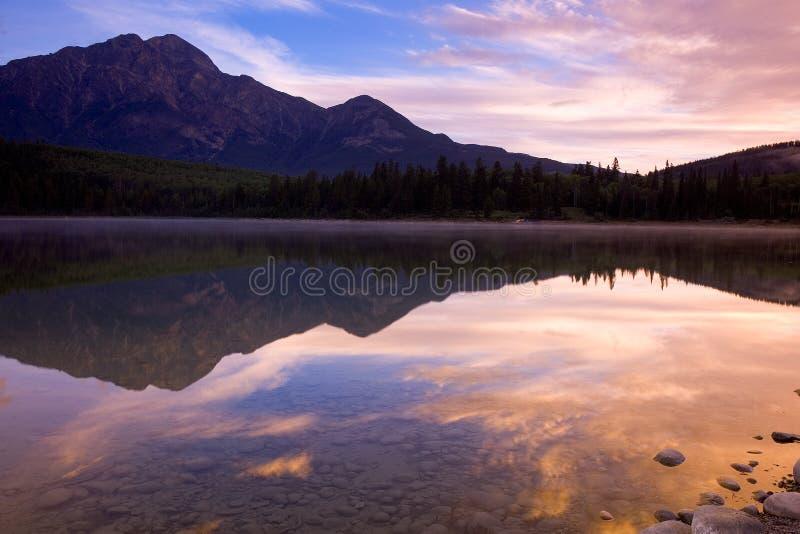jezioro 1 piramida zdjęcia stock