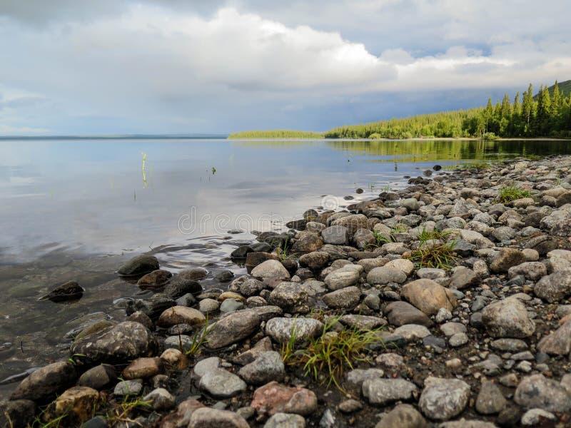 jezioro blisko rezerwy fotografia stock