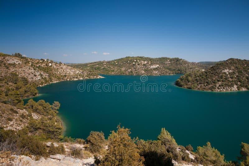Jezioro Esparron, Francja obraz stock