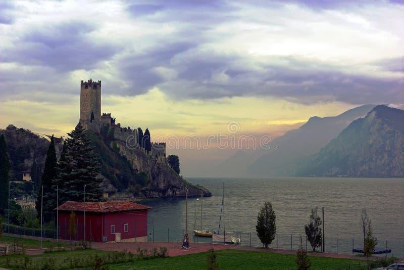 Jezioro i góra zdjęcia royalty free
