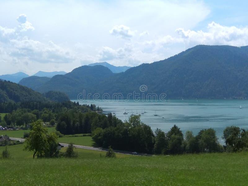 Jezioro i widok górski fotografia royalty free