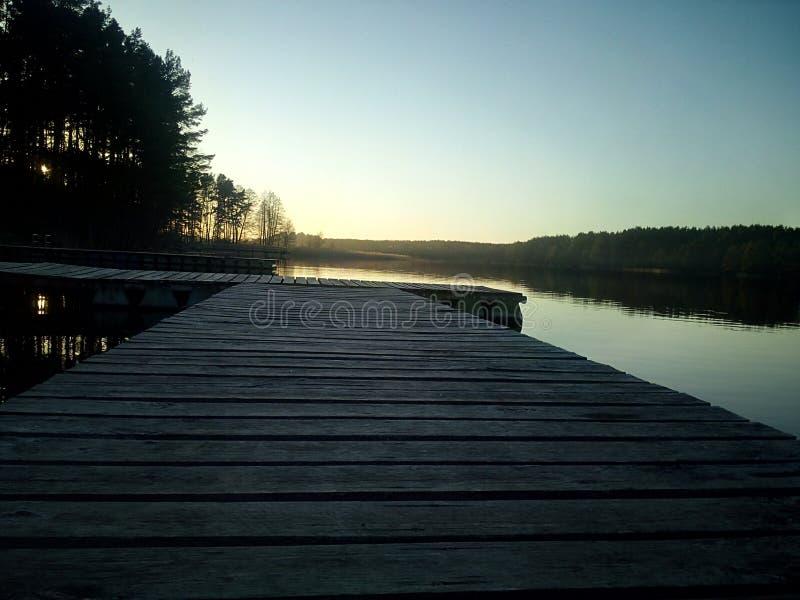 Jezioro i zmierzch fotografia stock