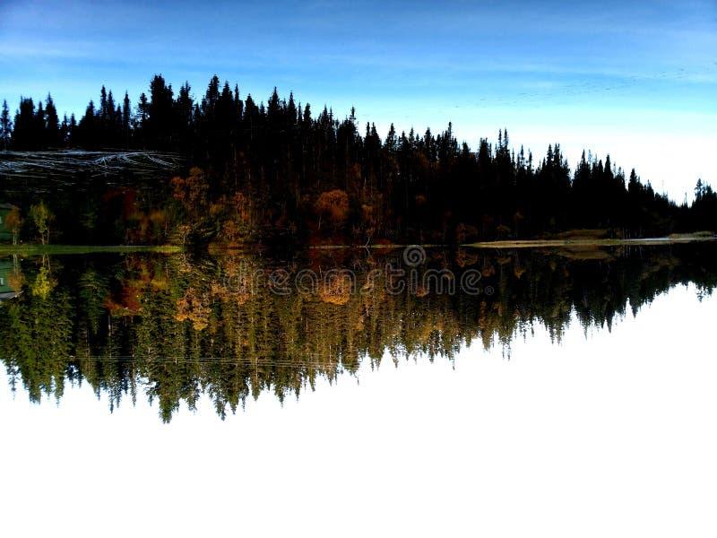 Jezioro jasny jako szkło obraz stock