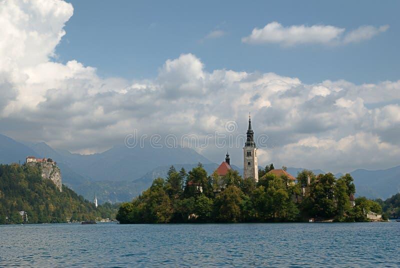 Download Jezioro Krwawiący, Slovenia Zdjęcie Stock - Obraz złożonej z chmury, wapień: 28973376