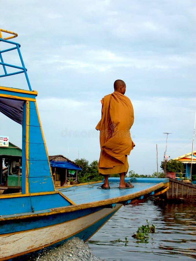 jezioro mnich buddyjski soki tonle fotografia stock