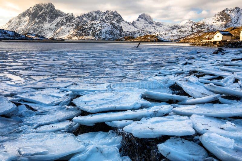 jezioro, mrożone zdjęcie royalty free