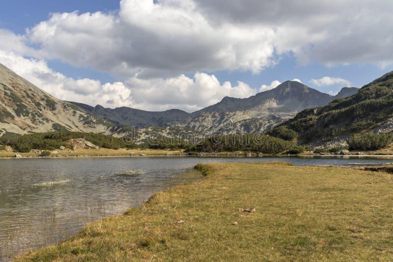 Jezioro Muratovo w Pirin Mountain, Bułgaria obraz stock