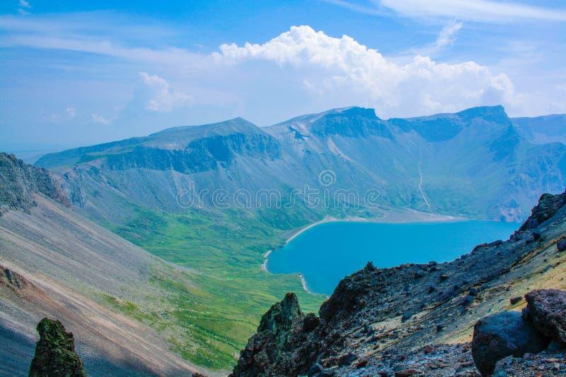Jezioro niebo obrazy stock